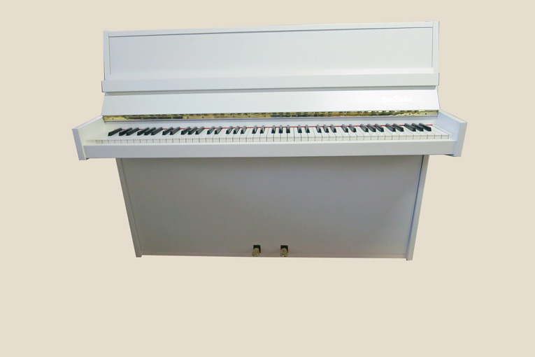 may berlin weiss gebrauchte klaviere ostrovski. Black Bedroom Furniture Sets. Home Design Ideas
